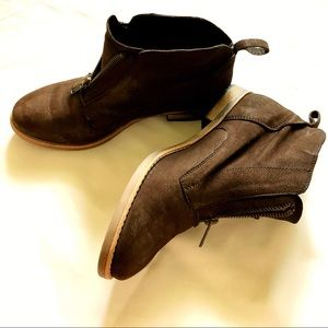 Diba brown ankle boots